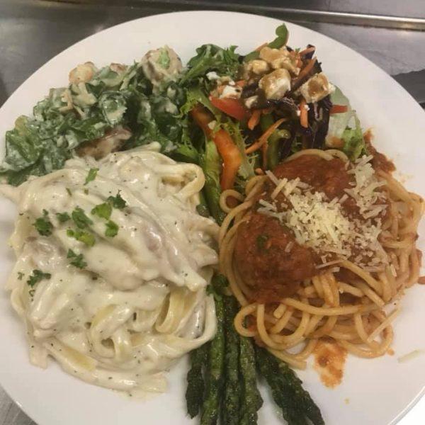Spaghetti,FettuccineAlfredo,Asparagus,TossedBabyGreenSalad,CaesarSalad